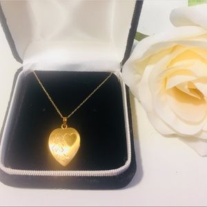 Jewelry - Solid 14KT Gold Heart Locket Pendant Necklace
